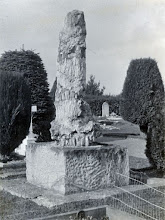 Photo: Wallace's grave in the second half of the 20th century, viewed from the back. Scanned with permission from the original owned by the Wallace family. Copyright of scan: A. R. Wallace Memorial Fund & G. W. Beccaloni.