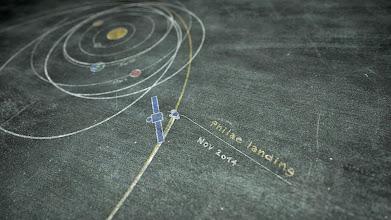 Photo: Wir landen auf einem Kometen! Trailer zur Kometenlandung: https://www.youtube.com/watch?v=aeDFWqAW-9Y&list=UU2iaRtEaE3Xbj3wPBot1-ZQ  Livestream zur Landung am 12.11.2014 ab 12:25 Uhr auf www.dlr.de/rosetta (FW) #CometLanding