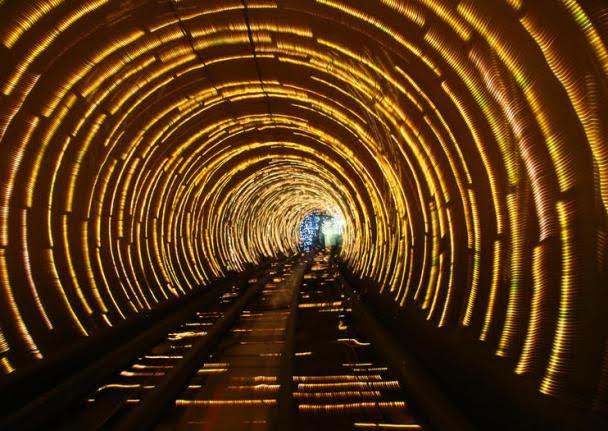 Túnel Psicodélico - The Bund Sightseeing Tunnel