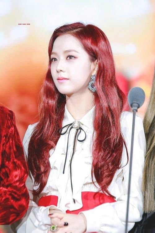 jisoo red