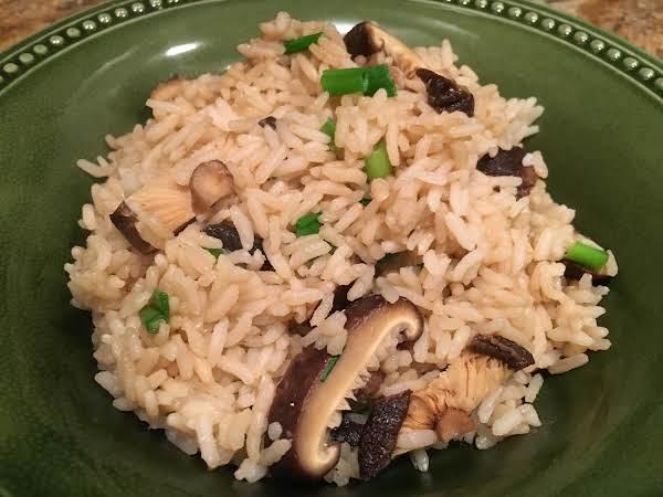 Shiitake Rice With Green Onions Recipe