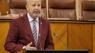 Javier Imbroda, ayer en el Parlamento andaluz.