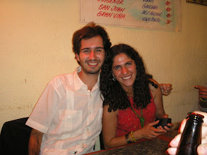 Photo: dia 01.10: Oscar e Soledad
