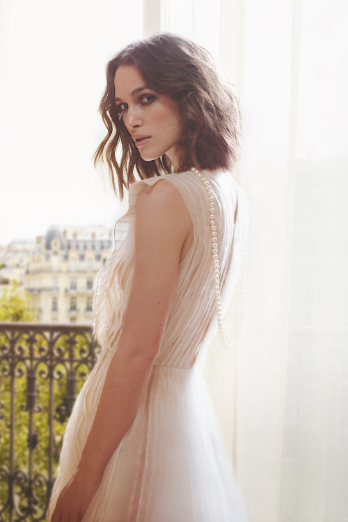 Keira Knightley is the face of Chanel Coco Mademosielle Collection d'Été.