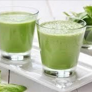Green and Glorious Breakfast Smoothie