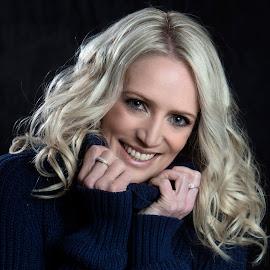 Kylie by Chris O'Brien - People Portraits of Women ( beautiful, woman, blond, portrait, smile )
