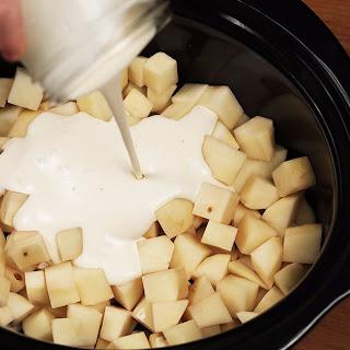 Slow Cooker Alfredo potatoes.