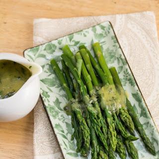 Gordon Ramsay's Asparagus with Lemon and Tarragon Hollandaise