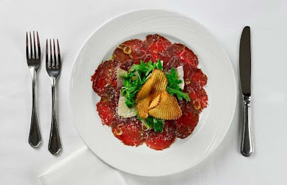 Carpaccio of beef tenderloin at The Palm (click to enlarge).