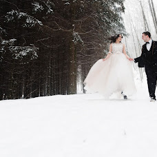 Wedding photographer Sergey Sarachuk (sssarachuk). Photo of 05.02.2018