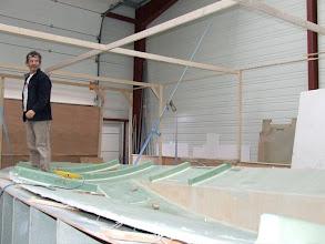 Photo: JM Linck - patron du chantier - démoulage du pont 3.4.2009