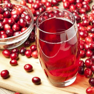 Apple and red bilberry kompot (Ukrainian fruit drink).