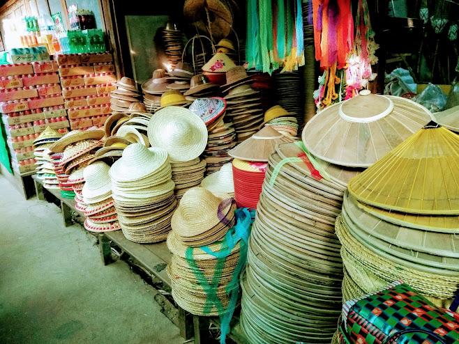 竹皮の帽子。