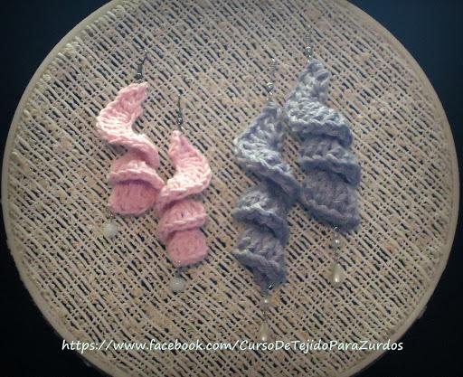 aros bonitos tejidos al crochet ganchillo con perlas y cuentas