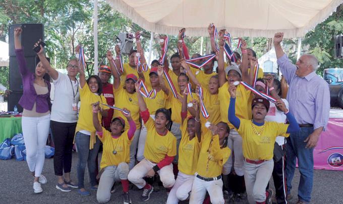 http://images2.listindiario.com/imagen/2016/03/21/412/412481/680x460/201603210321561/los-juegos-de-la-mujer-bajan-el-telon-en-cojpd.jpeg