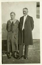Photo: Rodzice H. Mullera: Rudolf Muller z żoną Emilią, właściciel dworu w Korowacu, 1932 rok.