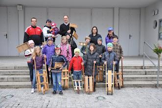 Photo: unsere Gruppe mit Begleitpersonen und P. Henryk am Karfreitag