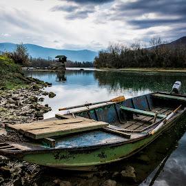 Motive 2 by Nenad Borojevic Foto - Transportation Boats