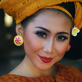 Balinese Girl by Amin Basyir Supatra - People Portraits of Women ( face, bali, fashion, girl, beautiful, beauty, portrait, eyes )