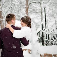 Wedding photographer Ekaterina Manaenkova (lapick87). Photo of 24.12.2017