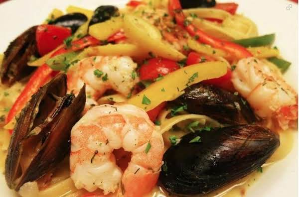 Shrimp & Mussel Creamed Scampi Recipe