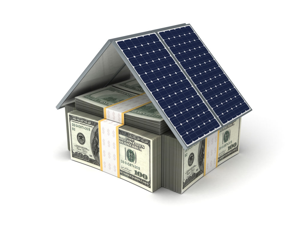 Cati bani economisesti cu panouri solare