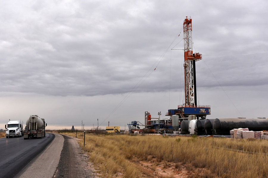 Bankruptcy looms over US energy industry, from oil fields to pipelines