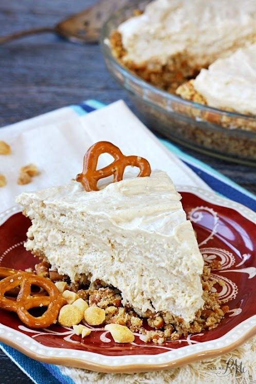 No-Bake Peanut Butter Pretzel Pie