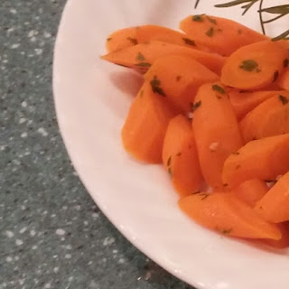 Orange Glazed Carrots With Fresh Parsley