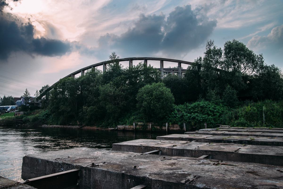 Володарский мост теперь стоит на правом берегу Невы