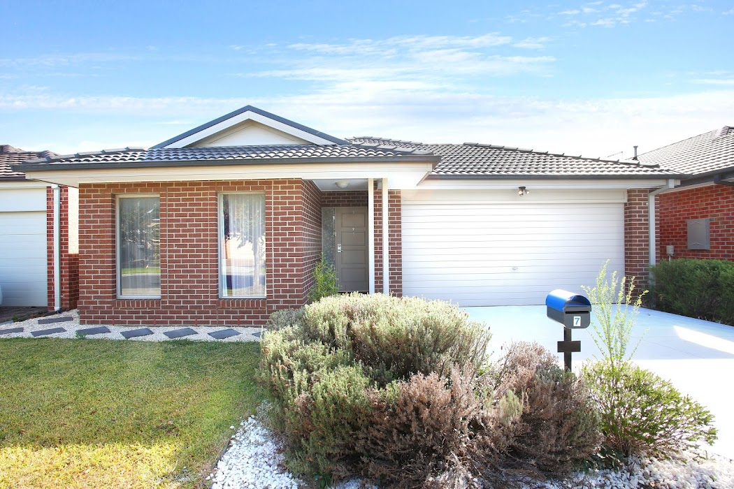 Main photo of property at 7 Morphetville Street, Clyde North 3978