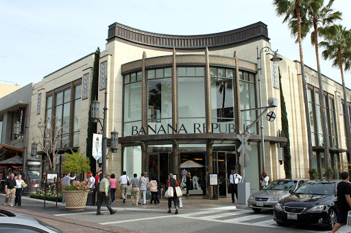 banana republic store