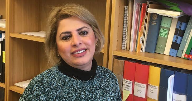 Layla Ahmed når eleverna genom modersmålet
