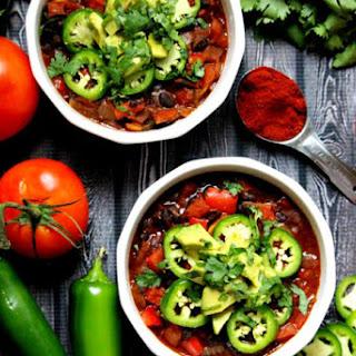 Vegan Smoked Paprika and Black Bean Chili (Vegan, Gluten-Free, Dairy-Free).