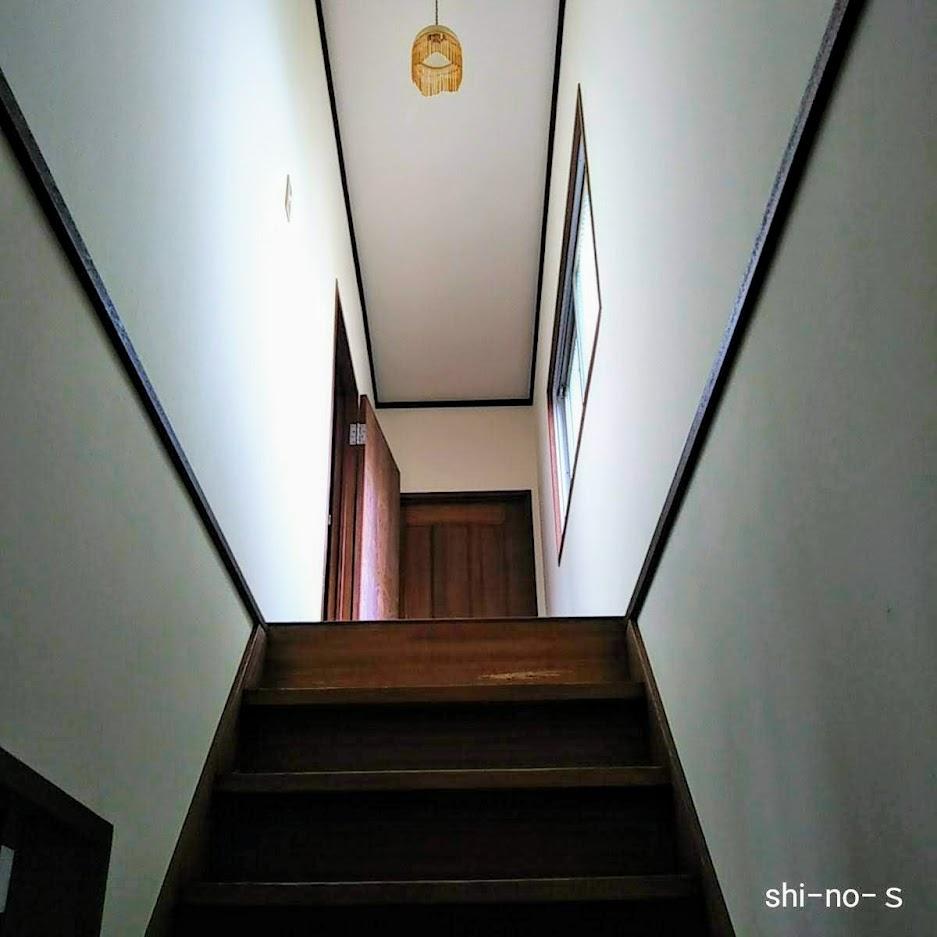 階段を上っている途中