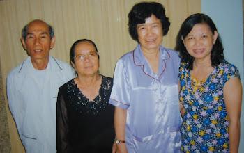 Photo: Thầy Công, Kim Chi, Kim Loan và Bạch Mai