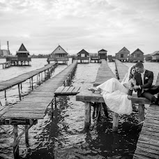 Wedding photographer Ákos Erdélyi (erdelyi). Photo of 19.09.2017