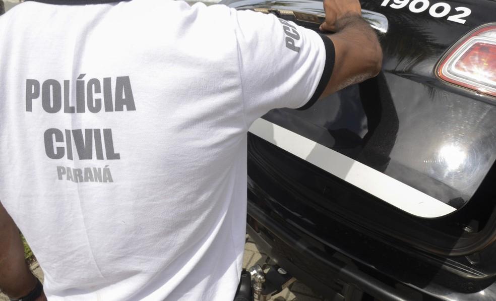 Suspeito de matar e roubar três homens gays foi preso em uma pensão, em Curitiba — Foto: Fábio Dias/Polícia Civil