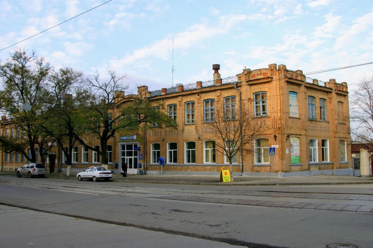 https://sites.google.com/site/istoriceskijtaganrog/frunze-ulica/dom-38