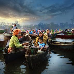Banua by Randy Rakhmadany - News & Events World Events ( lokbaintan, indonesia, floating market, randy rakhmadany )