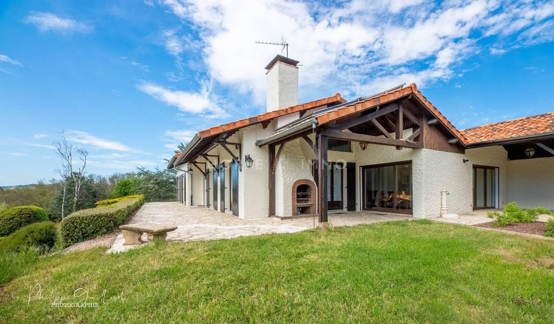 Villa avec piscine Dommartin