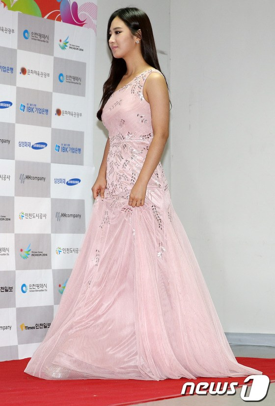 yuri gown 26