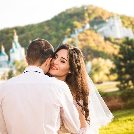Wedding photographer Vika Oparina (VictoriaOparina). Photo of 16.05.2017