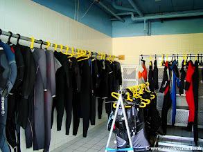 Photo: #004-Le vestiaire du Sea Center au Club Med de Columbus Isle.