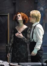 Photo: Wiener Staatsoper: LA CLEMENZA DI TITO - Inszenierung Jürgen Flimm. Premiere 17.5.2012. Juliane Banse, Elina Garanca. Foto: Barbara Zeininger