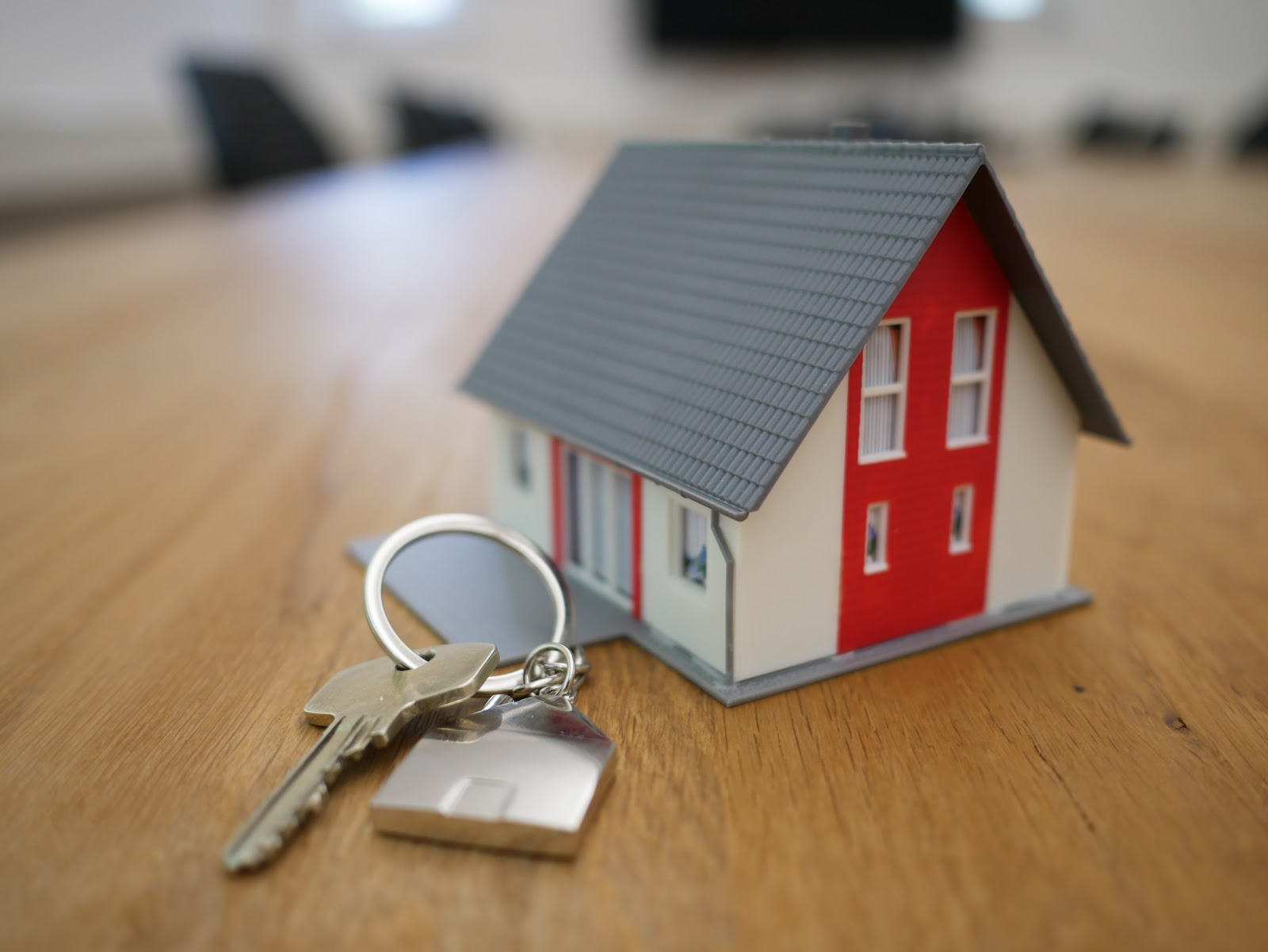 buyer's agent house  with key