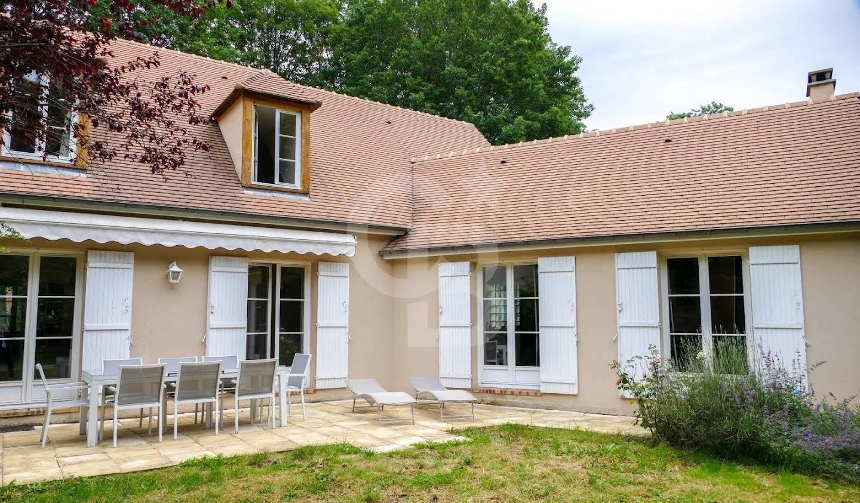 Maison Lévis-Saint-Nom