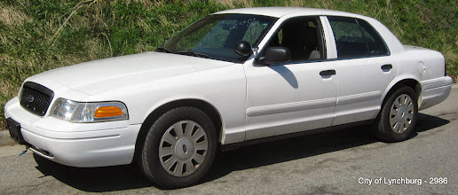 Photo: Lot 19 - (2986-1/3) - 2007 Ford Crown Victoria - 102,024 miles