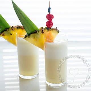 Piña Colada Recipe (Rum, Pineapple and Coconut Cocktail).