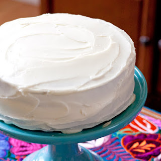 Carrot Cake with Cream Cheese Frosting (Pastel de Zanahoria)